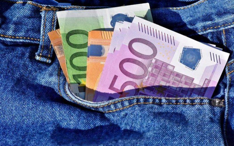 Apa itu Kompensasi? Pengertian dan Manfaatnya Bagi Karyawan dan Perusahaan