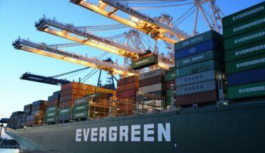 Apa Pengertian Impor? Manfaat, Fungsi, Tujuan, dan Contoh Barang Impor